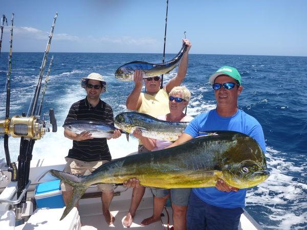 Bien hecho - Pescadores satisfechos en el barco Cavalier Pesca Deportiva Cavalier & Blue Marlin Gran Canaria