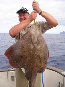 rayo espinoso Pesca Deportiva Cavalier & Blue Marlin Gran Canaria