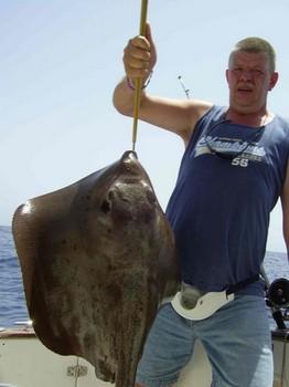 02/09 mantarraya cola dura Pesca Deportiva Cavalier & Blue Marlin Gran Canaria