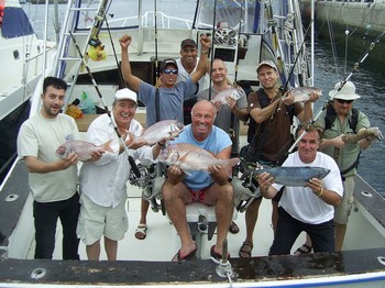 happy sport fisher - Satisfied fishermen onboard of the boat Cavalier Cavalier & Blue Marlin Sport Fishing Gran Canaria