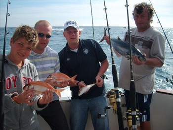 05/01 satisfied fisher Cavalier & Blue Marlin Sport Fishing Gran Canaria