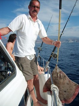 blonde ray Cavalier & Blue Marlin Sport Fishing Gran Canaria