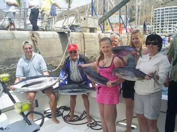 felices juntos Pesca Deportiva Cavalier & Blue Marlin Gran Canaria