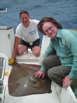 06/06 common stingray Cavalier & Blue Marlin Sport Fishing Gran Canaria