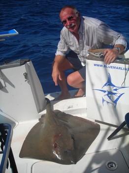 El cristalino Pesca Deportiva Cavalier & Blue Marlin Gran Canaria