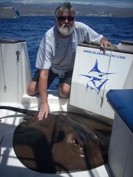 12/04 roughtail stingray Cavalier & Blue Marlin Sport Fishing Gran Canaria