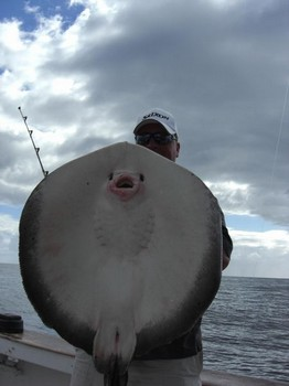 30/10 round stingray Cavalier & Blue Marlin Sport Fishing Gran Canaria