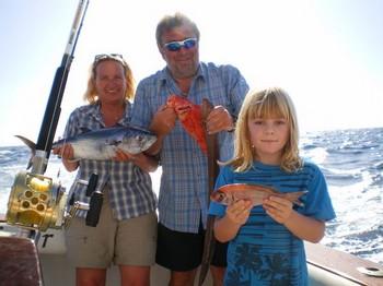 10/11 happy family Cavalier & Blue Marlin Sport Fishing Gran Canaria