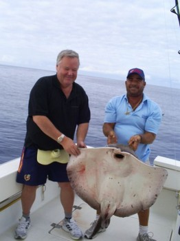 06/10 Roughtail Stingray Cavalier & Blue Marlin Sport Fishing Gran Canaria