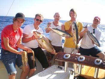 08/01 Pescadores satisfechos Pesca Deportiva Cavalier & Blue Marlin Gran Canaria