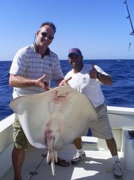 15/01 Roughtail Stingray Pesca Deportiva Cavalier & Blue Marlin Gran Canaria