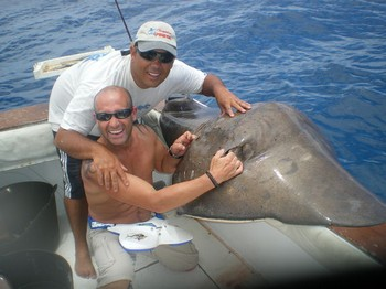 29/05 Stingray Cavalier & Blue Marlin Sport Fishing Gran Canaria