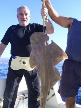 20/12 Tiburón ángel Pesca Deportiva Cavalier & Blue Marlin Gran Canaria