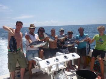 10/09 Pescadores satisfechos Pesca Deportiva Cavalier & Blue Marlin Gran Canaria