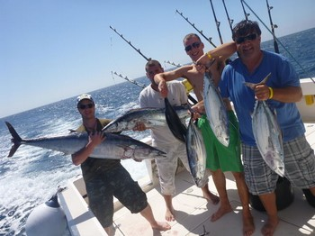 13/09 Bien hecho Pesca Deportiva Cavalier & Blue Marlin Gran Canaria