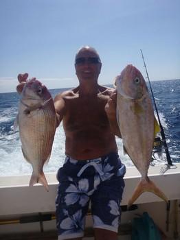 Pargo + Amberjack - Pargo rojo y Amberjack de buen tamaño capturados por Dick Peckham Pesca Deportiva Cavalier & Blue Marlin Gran Canaria