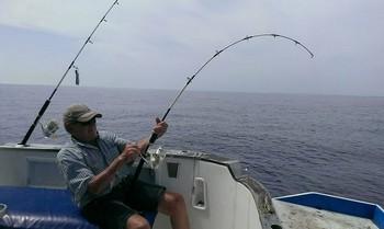 Conectado - Koos Groen está lidiando con una pesada Stingray Pesca Deportiva Cavalier & Blue Marlin Gran Canaria