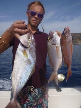 Bien hecho - Buena pesca hecha en el barco Cavalier Pesca Deportiva Cavalier & Blue Marlin Gran Canaria