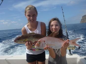 Chicas satisfechas - Aimée van Veen y Diana Meeuwis de Holanda Pesca Deportiva Cavalier & Blue Marlin Gran Canaria