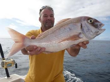 Pargo rojo capturado por Allan Clfton de Inglaterra Pesca Deportiva Cavalier & Blue Marlin Gran Canaria