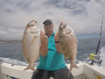 Pargo rojo: dos pargos rojos capturados por Jan van der Deijl de Holanda Pesca Deportiva Cavalier & Blue Marlin Gran Canaria