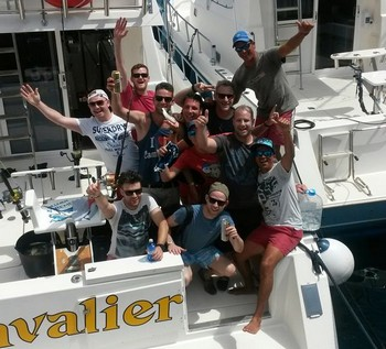 Gran fiesta - Gran fiesta después de un exitoso día de pesca Pesca Deportiva Cavalier & Blue Marlin Gran Canaria