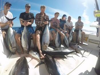 Tuna Explosión Cavalier & Blue Marlin Sport Fishing Gran Canaria