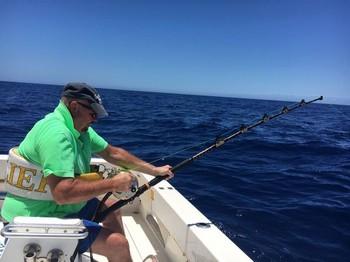 Conectado: Philip Jones, del Reino Unido, está luchando contra su Blue Marlin de 530 libr Pesca Deportiva Cavalier & Blue Marlin Gran Canaria